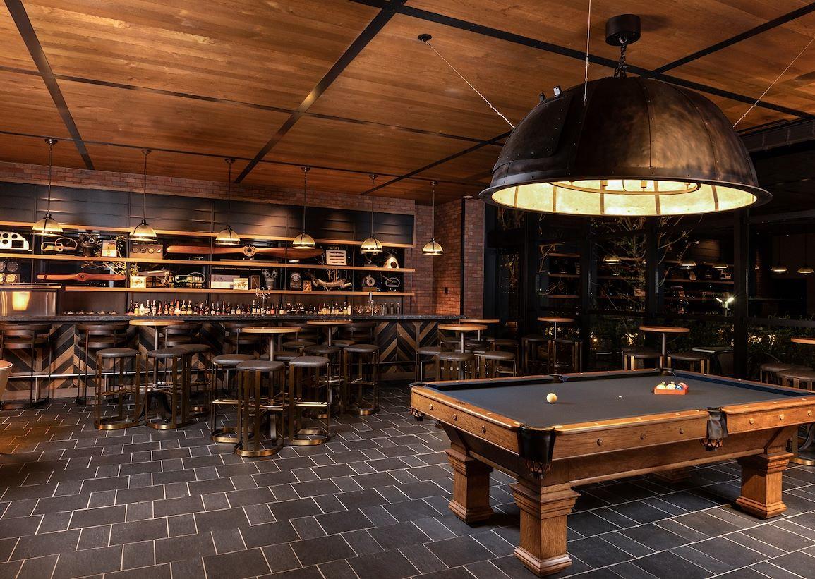 Bar Lounge Best Brews